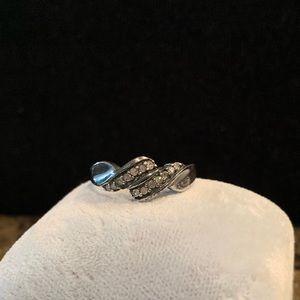.925 silver & diamond ring wh gun metal patina